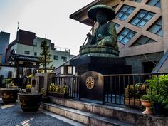 Speaking about Jizo, one the most impressive statue of his in Tokyo can be found in Asakusa -not many people know that! It is in the Tozenji temple in east Asakusa, very out of the way and it dates back to the mid 1700s. #Asakusa, #Jizo, #Tozenji 1/3 © Grigoris A. Miliaresis