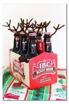 DIY root deer neighbor gift idea by MichaelsMakers Sugarbee Crafts