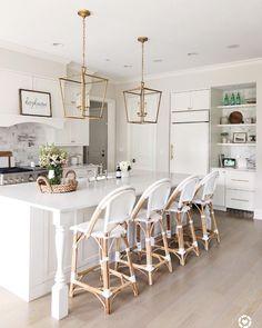 Classic Kitchen, New Kitchen, Minimal Kitchen, Kitchen Wood, Awesome Kitchen, Cheap Kitchen, Kitchen Stools, Kitchen Decor, Counter Stools