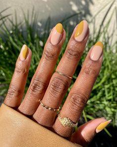 Almond Nails Designs Summer, Summer Nails Almond, Short Almond Nails, Almond Shape Nails, Almond Acrylic Nails, French Nail Designs, Short Nail Designs, Nail Art Designs, Short Pointed Nails