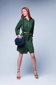 Des tenues d été pour aller au bureau. Tenue de bureau   robe chemiseRobe  chemise verte, Caroll ... f59ddbbd2a6