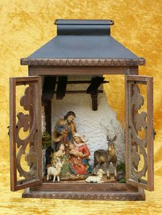 Like the background Christmas Village Display, Christmas Nativity, Diy Christmas Gifts, Christmas Projects, Christmas Villages, Christmas Candle Lights, Christmas Centerpieces, Christmas Decorations, Lantern Crafts
