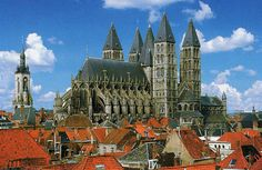 トゥルネーのノートルダム大聖堂 (ベルギー)