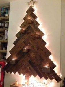 12 idées pour concevoir un arbre de Noël avec des palettes12