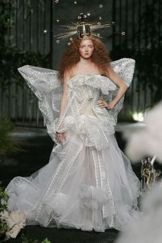 HD Lily Cole for Christian Dior by John Galliano Fall 2005 Haute Couture Runway Fashion, Fashion Art, High Fashion, Fashion Show, Fashion Design, Lily Cole, Dior Haute Couture, Christian Dior, Christian Clothing