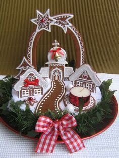 Gingerbread centerpiece for the Christmas table Gingerbread Crafts, Gingerbread Decorations, Christmas Gingerbread House, Gingerbread Cake, Christmas Sweets, Noel Christmas, Christmas Baking, Christmas Crafts, Christmas Decorations