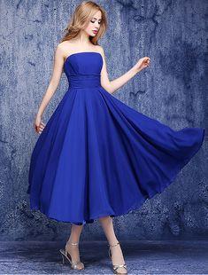 Simple Sans Dossier Bustier Empire En Mousseline À Volants Bleu Royal Robes De Demoiselle D'honneur
