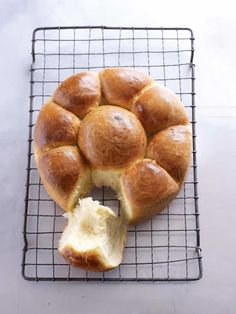 It could have been a bit sweeter, but I loved it! This is my first time baking brioche and I'm very happy with the results British Baking Show Recipes, British Bake Off Recipes, Baking Recipes, Bread Recipes, Paul Hollywood Brioche, Paul Hollywood Bread Rolls, Paul Hollywood Bread Recipe, The Great British Bake Off, Brioche Recipe
