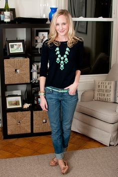 Love the simple black tee with bubble necklace and boyfriend jeans