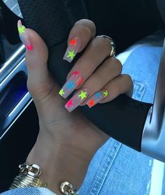 In search for some nail styles and ideas for your nails? Here's our list of must-try coffin acrylic nails for stylish women. Ongles Kylie Jenner, Kylie Jenner Nails, Acrylic Nails Coffin Kylie Jenner, Coffin Acrylics, Kendall Jenner, Clear Acrylic Nails, Summer Acrylic Nails, White Summer Nails, Stone Nails