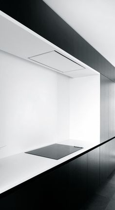 Tom Lierman | Renovation-Extention LD | Aalst, Belgium Kitchen Interior, Modern Interior, Interior Design, Black Kitchens, Home Kitchens, Architecture Design, Kitchen Queen, Black And White Interior, Minimalist Kitchen