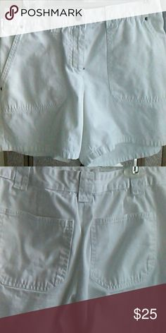 White shorts Front and back pockets. 100% Cotton. Style & Co Shorts