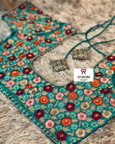 Kids Blouse Designs, Simple Blouse Designs, Wedding Saree Blouse Designs, Saree Blouse Neck Designs, Embroidery Neck Designs, Beautiful Dresses For Women, Mint, Sleeve Designs, Outfits
