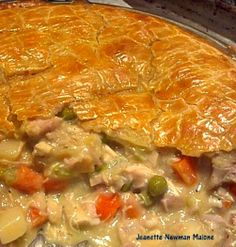 DELICIOUS Turkey Pot Pie, I would also make this using chicken and ham together (great combo!) Oh my! #turkey #chicken #pie #dinner