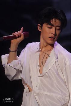 Kim Hanbin Ikon, Ikon Kpop, K Pop, Pop Bands, Yg Entertainment, Ikon Instagram, Ikon Leader, Winner Ikon, Ikon Wallpaper