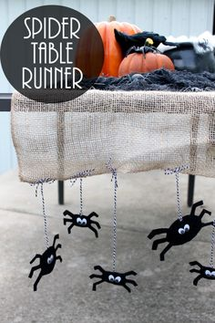 DIY Halloween Table Runner