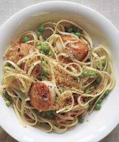 Linguine With Scallops, Brown Butter, and Peas Sprinkle the pasta with toasted bread crumbs before serving to add a little crunch. Get the recipe for Linguine With Scallops, Brown Butter, and Peas. Think Food, I Love Food, Food For Thought, Good Food, Yummy Food, Tasty, Pea Recipes, Fish Recipes, Seafood Recipes