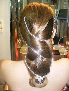 Love this Elegant Hairstyle