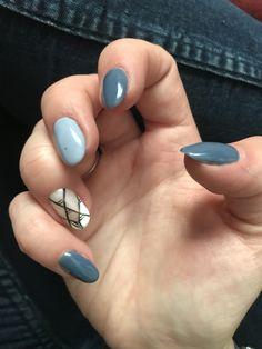 Blue nails summer
