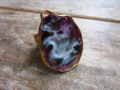 Geode Agate Slice Ring by Etsy artist popins Agate Jewelry, Beaded Jewelry, Rock Rings, Pink Brown, Metal Working, Women's Accessories, Gemstone Rings, Jewels, Gemstones