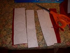 How to Cut Pennies for a Penny Rug ~ excellent tutorial. Penny Rug Patterns, Wool Applique Patterns, Print Patterns, Felt Embroidery, Felt Applique, Felted Wool Crafts, Felt Crafts, Wooly Bully, Wool Quilts