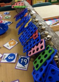 Numicon and padlocks. Can do teen numbers by putting on scrapbook rings! Year 1 Maths, Early Years Maths, Early Years Classroom, Early Math, Early Learning, Maths Eyfs, Eyfs Classroom, Portable Classroom, Outdoor Classroom