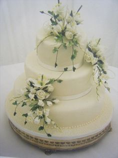 Classic Wedding Cake By The Talented Masters At Cakes For Celebrations In Cowbridge Wales