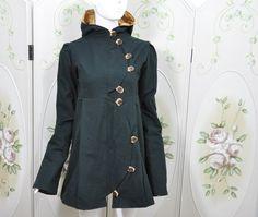 Du möchtest dir deine eigene, zauberhübsche Lieblingsjacke nähen? Selber die Stoffe und die Farben aussuchen? Das unkomplizierte Schnittmuster für die Jacke BIJOU läßt dir hier viel Spielraum. Das...