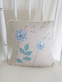 Creative Make A Pillow Or Cushion Ideas. Awe-Inspiring Make A Pillow Or Cushion Ideas. Freehand Machine Embroidery, Free Motion Embroidery, Free Machine Embroidery, Hand Embroidery, Quilt Stitching, Quilting, Sewing Crafts, Sewing Projects, Applique Cushions