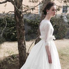 ウーアンジュ人気アイテムの オーバースカート。 色々なドレスに合わせられます。 あなただけのコーディネートを楽しんでみて下さい❤︎ . ご試着ご予約お待ちしております。 ウーアンジュ 渋谷区恵比寿西1-34-15ヒルズ代官山201. 03-6455-0015. . #ウーアンジュドレス #ウーアンジュ#w_ange #ウェディングドレス#dressshop#weddingdress #wedding#代官山 #オリジナルドレス #daikanyama#プレ花嫁 #bride#結婚準備#photowedding #ドレス選び#ブライダル#花嫁 #ガーデンウェディング #オーダードレス #セミオーダードレス #レンタルドレス #2017春婚#2017秋婚