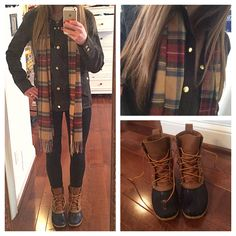 ☞❤ Top sperry duck boots outfit fall jeans - Any astute woman will be extremely cognizant about her look, really. Indeed, with regards to winter footwear decision, fastidious decision is extremely vital. Preppy Winter Outfits, Winter Boots Outfits, Fall Outfits, Cute Outfits, Outfit Winter, Winter Ootd, Duck Boots Outfit, Outfit Jeans, Models