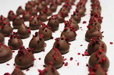 Artisan Chocolate, Chocolates, Desserts, Handmade, Food, Tailgate Desserts, Deserts, Hand Made, Chocolate