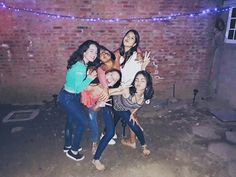 Verónica Yaniska @veronicayaniska #friendship #photoshoot #idea #instagram #fun #party #friends #squad