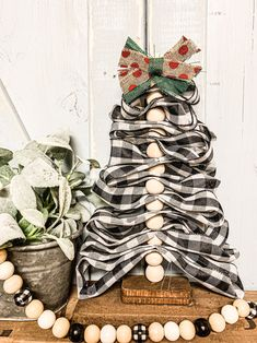 Diy Burlap Ribbon Christmas Tree Lizzy Erin Happy New Year Ribbon On Christmas Tree, Christmas Tree Themes, Diy Christmas Ornaments, Christmas Projects, White Christmas, Holiday Crafts, Christmas 2019, Farmhouse Christmas Trees, Diy Christmas Crafts To Sell