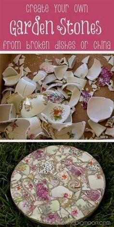 Mosaic garden stepping stones. How to take broken dishes and create beautiful garden stones.  #UniqueGardeningIdeas