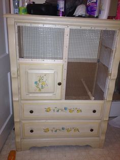 #upcycle!  Turn old furniture into a fab #chicken BROODER!