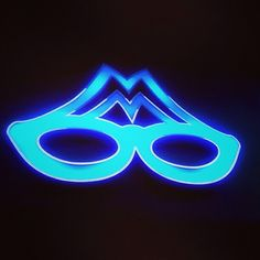 Βραδιάζει πια πολύ νωρίς... (Οπτικά Μεταξάς, νυχτερινή άποψη από το κατάστημά μας στη Ν. Ερυθραία) #opticametaxas #neon #neonlight #neonlights #night #sign #signporn #glasses #sunglasses #athens #γυαλιά