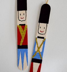 mollymoocrafts.com - Popsicle Stick Nutcrackers