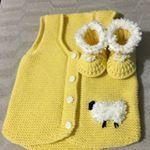 """849 Likes, 26 Comments - Ecmel Bebe (@ecmelbebe) on Instagram: """"knittinglove#Örmeyiseviyorum#siparişalınır#severekörüyorum#Örgüaşkı#Handmade#Elörgüsü#Babies#Boys#And#Girls#Ceket#Yelek#elbise#Tulum#patik…"""""""