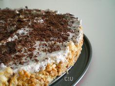 Se volete stupire gli ospiti dopo un pranzo estivo e non, portate in tavola questa torta fredda ricotta e cioccolato: vedrete che chiederanno il bis!
