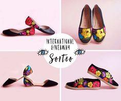 International giveaway✌️ win a pair of @lolkina_mx shoes!! Instructions are on my facebook page (www.facebook.com/ohmydiorblog)  Estamos celebrando mucha felicidad y por eso nuevo sorteo internacional puedes ganar unos zapatos de @lolkina_mx en mi facebook las instrucciones (www.facebook.com/ohmydiorblog)  suerte