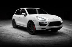 """Roll in style: Porsche Cayenne on the popular VS-110 forged aluminum monoblock 22"""" wheels"""