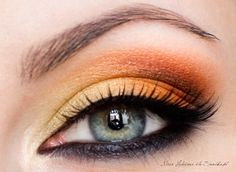 5 Reasons to Wear Colorful Eyeshadow With Black Eyeliner: Girls in the Beauty Department