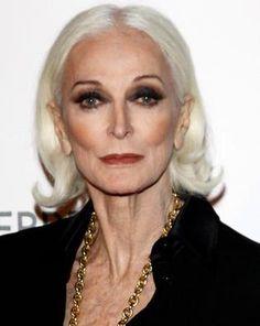 Кармен Делль'Орефис в 80 лет остается одной из лучших моделей мира