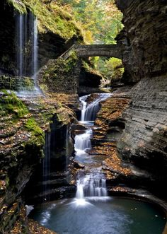 Watkins Glen State Park, New York. Photograph by Peter Rivera Watkins Glen State Park is located outside the village of Watkins Glen, New York, south of Seneca Lake in Sch. Rainbow Falls, Rainbow Bridge, Road Trip Usa, Cool Places To Visit, Places To Travel, State Parks, Lac Michigan, Watkins Glen State Park, Les Cascades