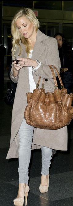 kate hudson + beige jacket + big purse