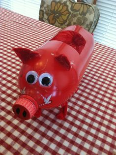 What a clever valentine box! You could use this idea and tweek it a little to make a piggy bank for the family vacation fund. Kinder Valentines, Valentine Day Boxes, My Funny Valentine, Valentines For Boys, Valentines Day Party, Valentine Day Crafts, Holiday Crafts, Holiday Fun, Valentine Ideas