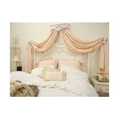 ~ ❤ liked on Polyvore featuring backgrounds, houses, bedrooms, pictures and rooms