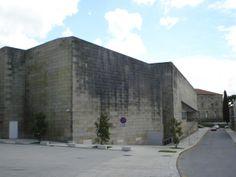 1988-1993  Álvaro Siza Vieira  Rúa Valle Inclán 2, Santiago de Compostela  Photo: 2009.09(Autor : Estudio Mano)