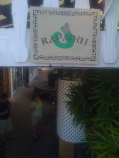 rapuni island cafe